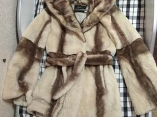 Срочно продам верхнюю одежду Пальто, Дублёнка, Шуба.