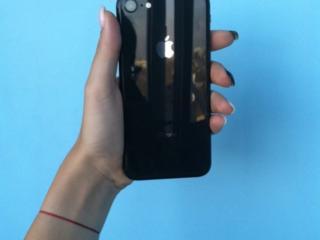 Продам Айфон 8 на 64 Гб