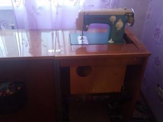 Швейная машинка 200 рублей.