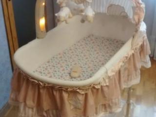Продам колыбель для новорожденных в очень хорошем состоянии ТОРГ