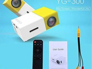 Мини проектор, для Кино или Игр и другого