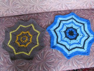 Продам коврики на табуретки, ручной вязки по 45 руб.