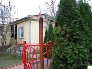 Центр 37m отд. вх. Щусев-Бодони 3-х ком. +туалет+25m полуподв. 36000 ев.