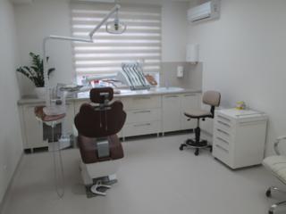 Стоматологическое кресло сдается в аренду в современной клинике,