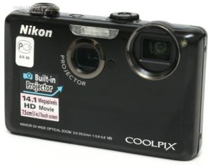 Фотоаппарат Nikon Coolpix S1100 pj с проектором.