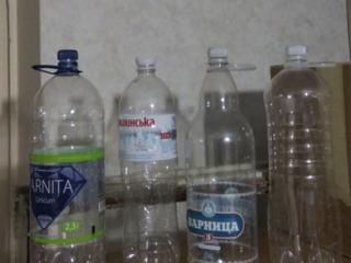 Продаю: Бутыли 3л. Баночки 100гр. Пластиковые бутылки, ящики