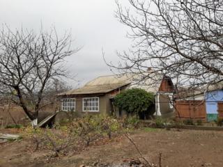 Продаю дом в с. Гармацкое с удобствами и отоплением с видом на Днестр