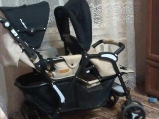 Продам двухместную коляску