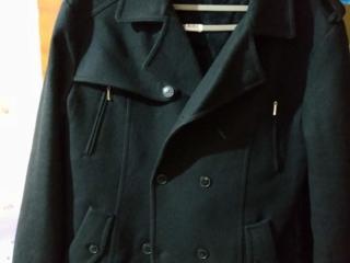 Продам пальто 500р. торг размер 52-54