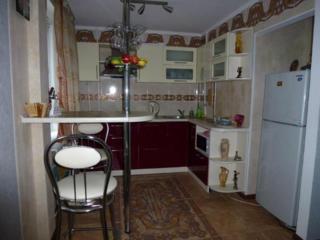 Сдаю посуточно, помесячно уютную, комфортную квартиру c евроремонтoм!