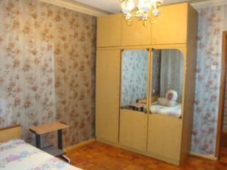 3-комнатную теплую квартиру 2эт. самый центр Бендеры