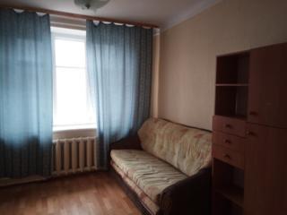 Срочно продам 2-комнатную в центре