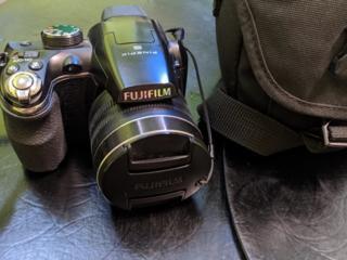 Продам Фотоаппарат FinePix S4500