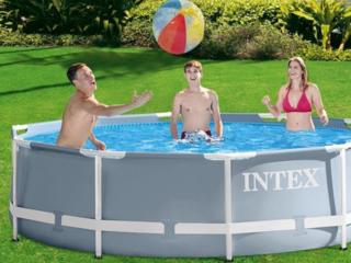 Продам НОВЫЙ В УПАКОВКЕ каркасный бассейн Intex с картриджным насосом.