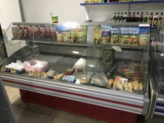 Продам холодильные витрины и пристенные стеллажи