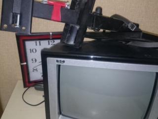 Телевизор на кухню с креплением на стену