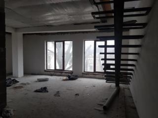 Preț-șoc! Mansardă în 2 nivele 110 m2 la 40 de ani Telecentru!