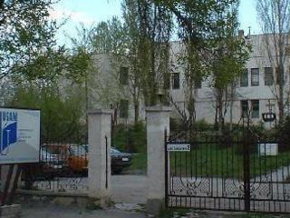 Продам или в аренду участок земли до 0.83 га и здание, недалеко центр