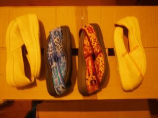 Продам новые детские тапочки, размер с 32 по 35 в трёх цветах!