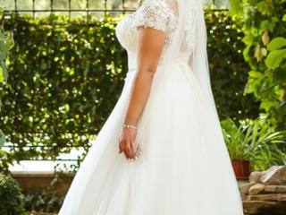Свадебное платье для девушек с пышными формами!