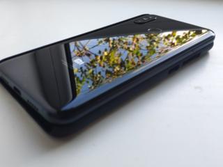 Сяоми MI 8 6/128 CDMA+GSM VOLTE+4G в идеальное состоянии Тирасполь