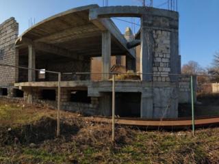 Продается 2 эт. здание и земельный участок, самый центр Слободзеи.