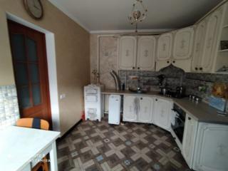 Продам небольшой дом в отличном состоянии в Парканах.