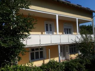 Casa in vanzare cu 2 niveluri (teren 7ari)