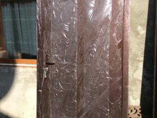 Металлическая дверь, в пленке, 205 на 96, помогу привезти