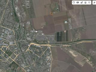 Земельный участок с капитальным строением