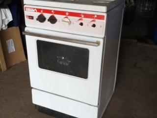Продам на запчасти газовую плиту возможна бесплатная доставка 9$