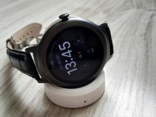 Смарт фитнес часы LG W270