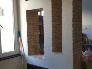 ЦЕНТР!!! Квартира на земле!!! Две комнаты + кухня-студия +двор!!!