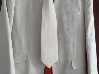 Продам костюм на свадьбу или выпускной!
