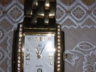 Продам швейцарские женские часы