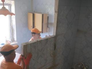 Демонтаж стен перегородок перекрытий сантехкабин Вырезаем проемы арки
