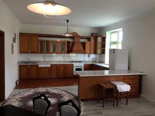 Продается 3-комнатная квартира в центре города Кишинева. ул. Еминеску