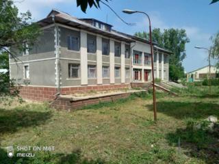 Административное здание на участке 26 соток. Цена договорная
