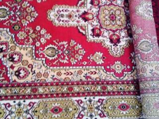 Продаю ковры ворсовые 3 ковра б/у. Недорого
