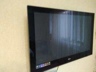 """Продам ТВ LG42""""PQ6000."""