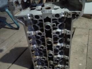 Головка блока цилиндров от мотора 111. 2 л. Мерседес 124 в сборе