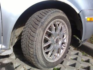 Продам б/у 4 колёсных титановых диска R16 5x100 d. 57,1 ET 42 на VW