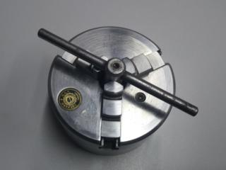 Продам токарный патрон 80мм (поляк) Б/У.