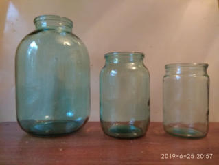 Продаю: Бутыли 3л. Баночки разные. Пластиковые бутылки, баклажки.