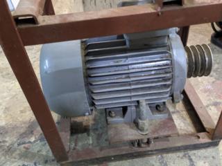 Продам электродвигатель 4АМ 1,1 кВт. 920 об.