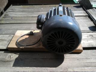 Мощный бесщеточный пазный электродвигатель