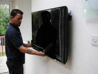 Монтаж телевизоров, навеска ТВ кронштейнов на стену. Установка.