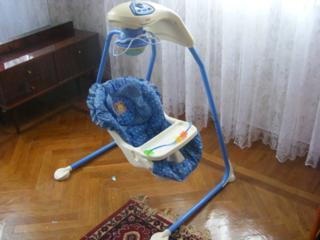Продам детское кресло качели.