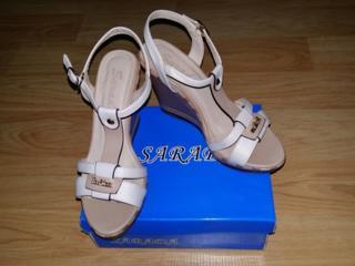 Sandale de vara pe platforma. Noi. 37