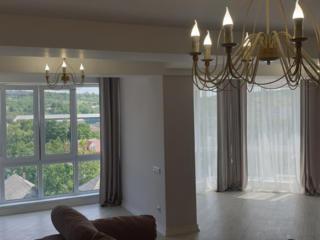 Apartamentul se desfasoara pe o suprafata de 127 m2